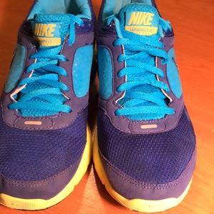 Women's size 7.5 Nike lunarfly running shoe